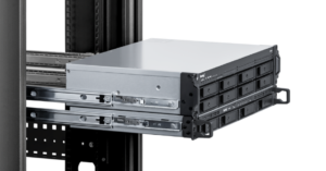 NAS Synology RS1221+